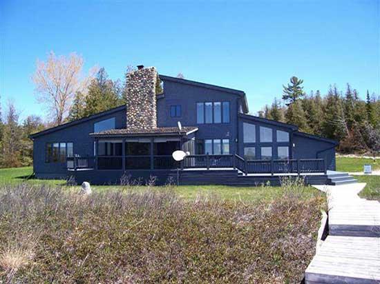 Hagerman-House-#1-550x412