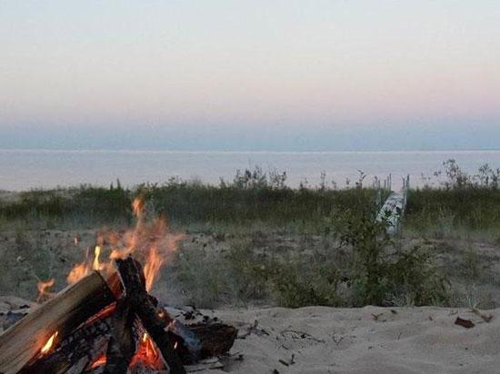 McSweeney's-cabin-beach-sunset-view550x412